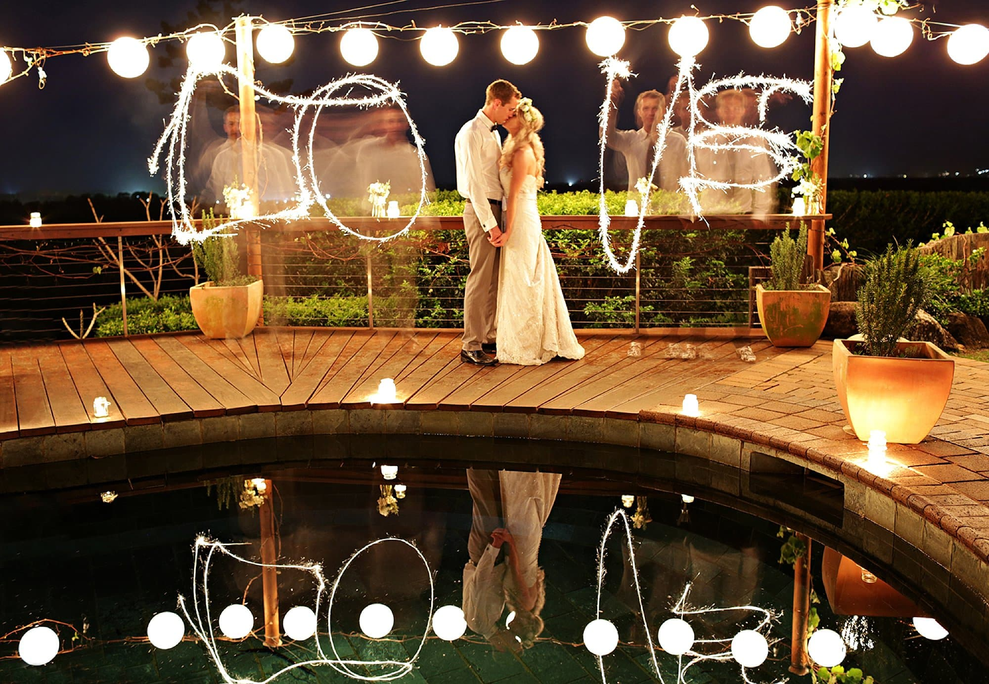 Wedding-Sparkler-Phototo
